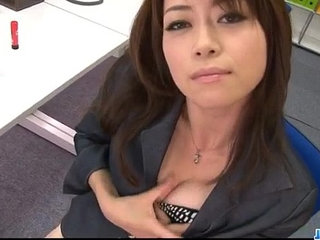 Office bimbo, Maki Hojo, plays with her fanny
