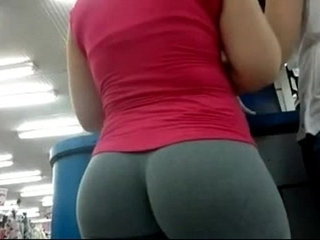 Candid Camera In Public Store Nice Ass In Tight Yoga Pants